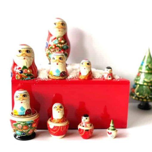 Nesting-babushka-dolls-santa-snowman-tree