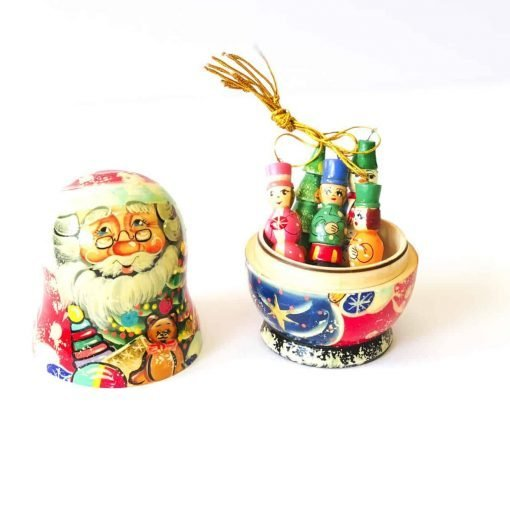 Santa-babushka-korobnik-with-decorations