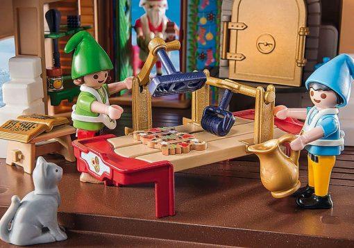 Christmas-Playmobil-range-house-9493