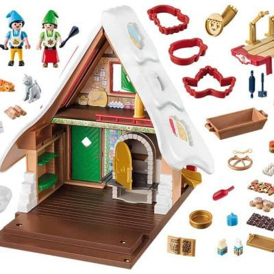 Playmobil-Christmas-House-with-cookie-cutters