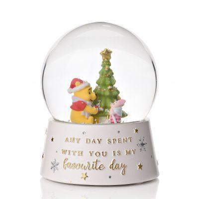 christmas-snowglobes-pooh-bear